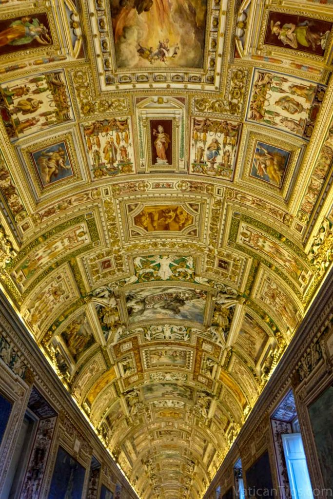ceiling gallery of the maps