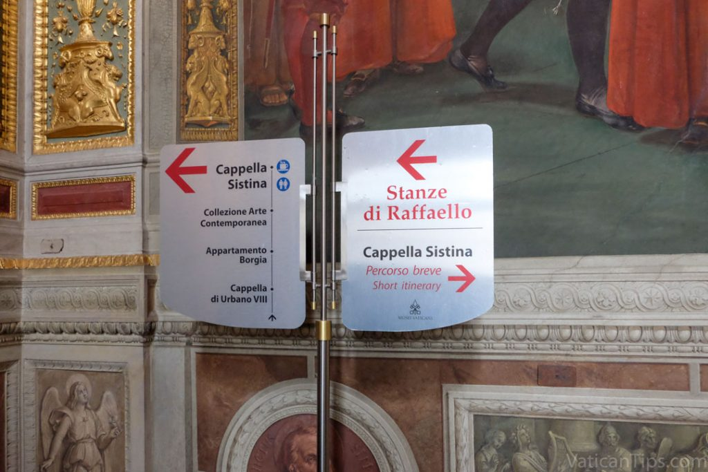 Sign in Vatican to Sistine Chapel