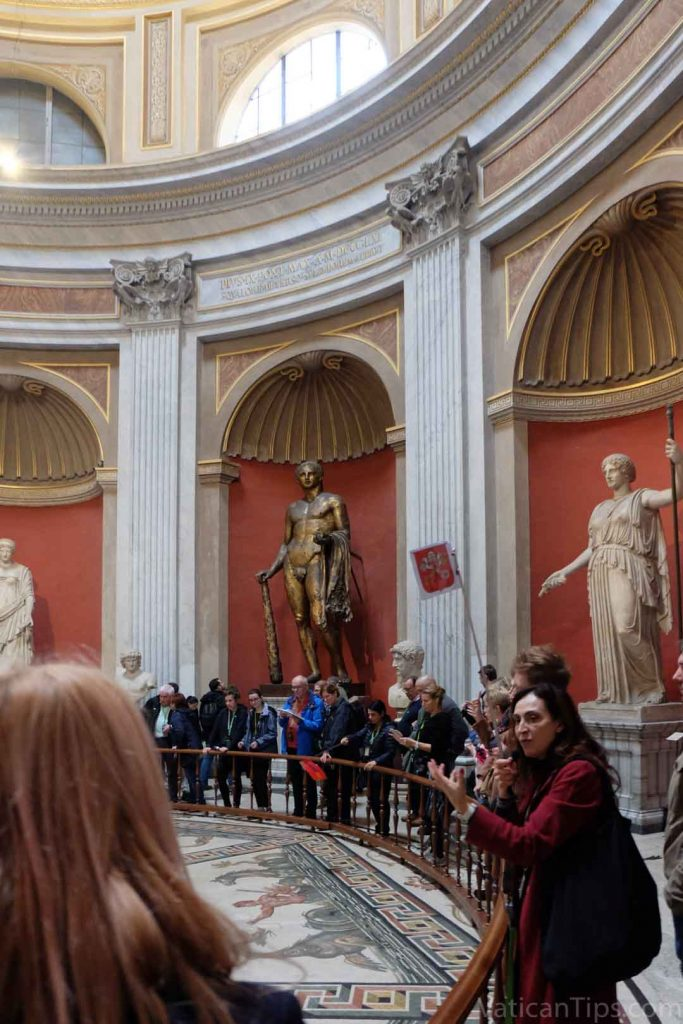 statues in round room
